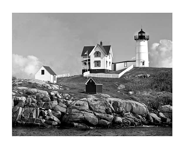 Maine-Nubble-Lighthouse-horizontal-B&W