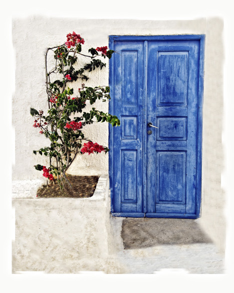 The-Blue-Door--SANTORINI